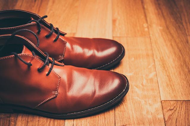 9 Cara Memakai Sepatu Baru Dengan nyaman