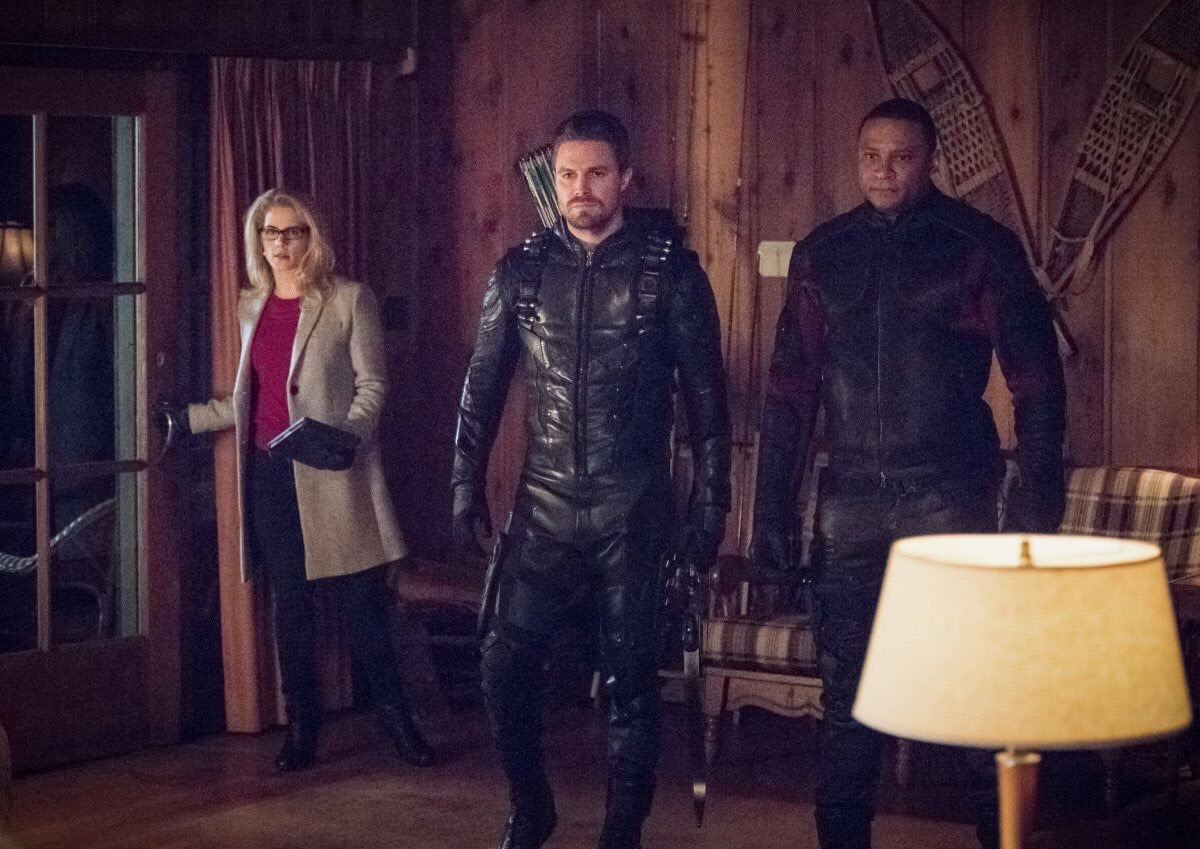 David Ramsey, Stephen Amell, and Emily Bett Rickards ien Arrow