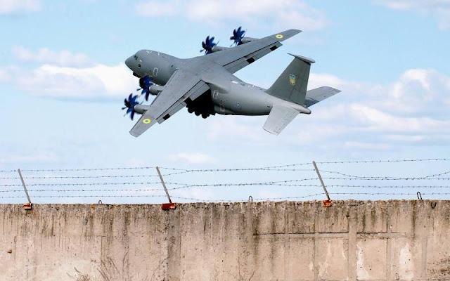 Німеччина возитиме військові вантажі українськими літаками