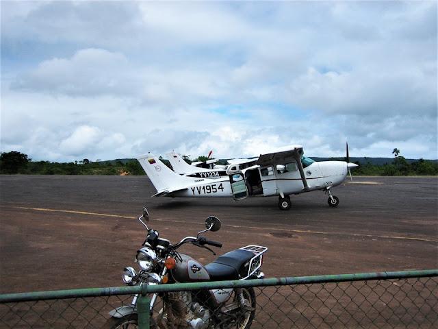 Canaima aeropuerto avioneta