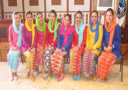 Pakaian Keseharian Wanita Betawi