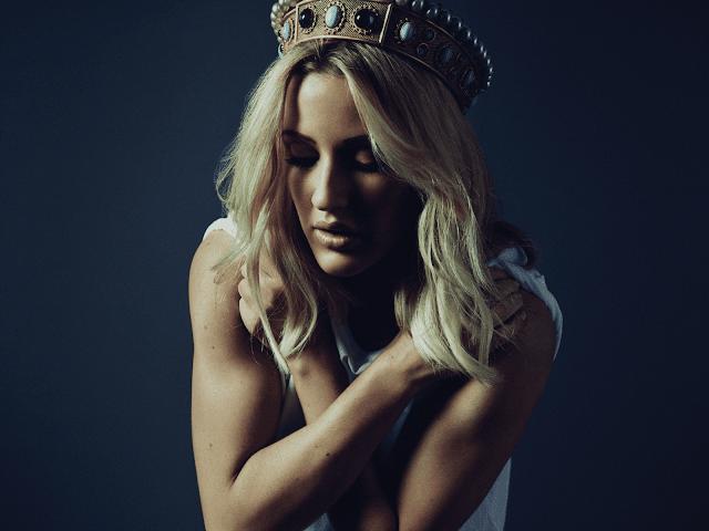 "Surge nueva balada de Ellie Goulding ""Beautifully Numb"""