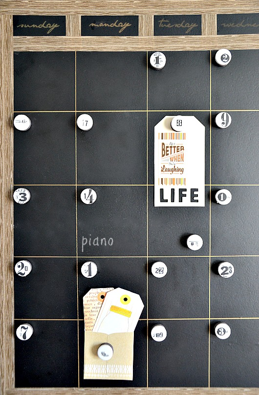 DIY summer projects- DIY magnetic chalkboard calendar