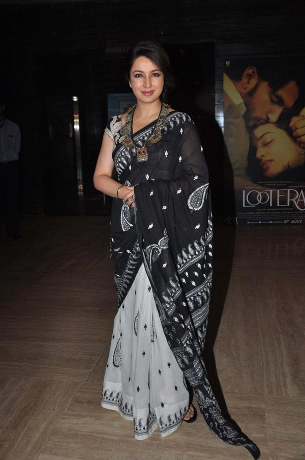 Bollywood Actress Tisca Chopra 2017 Images In Transparent Black Saree