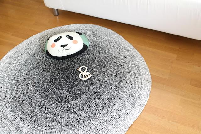 Teppich Babyzimmer sebra skandinavisch schwarz weiss grau pastell Babyzimmer mit tausendkind und Jules kleines Freudenhaus