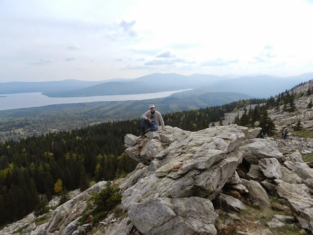 На одной из скал хребта Зюраткуль в национальном парке Зюраткуль