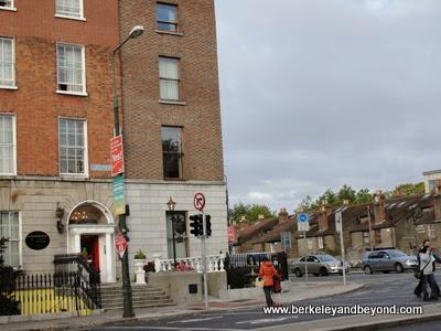 exterior of Leeson Bridge House B&B in Dublin, Ireland
