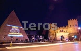 Evento su monumento Roma piramide cestia