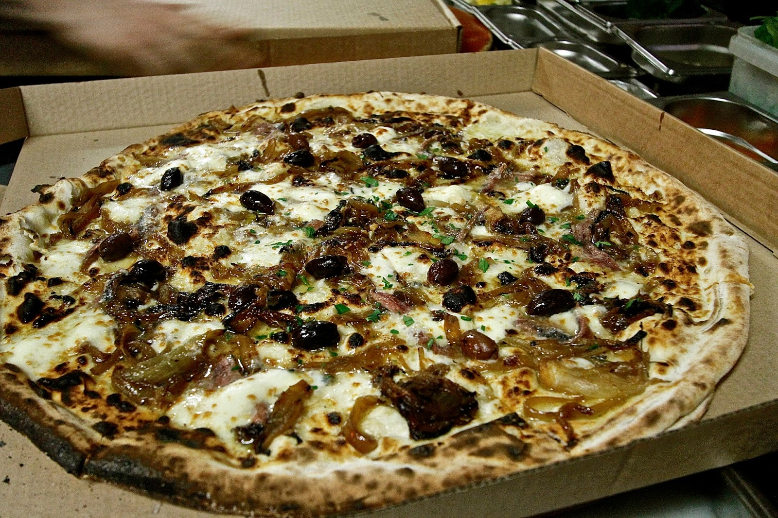 The London Foodie Huge 20 Inch Pizza And Bold Flavours At