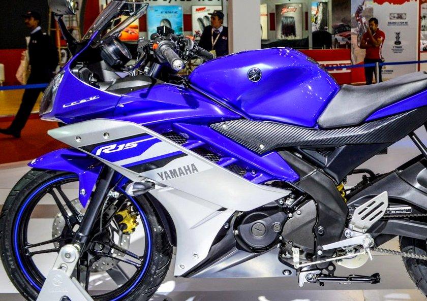 Opini : Yamaha sedang mencoba membuat standarisasi baru sport fairing 150cc di next Yamaha R15 ?