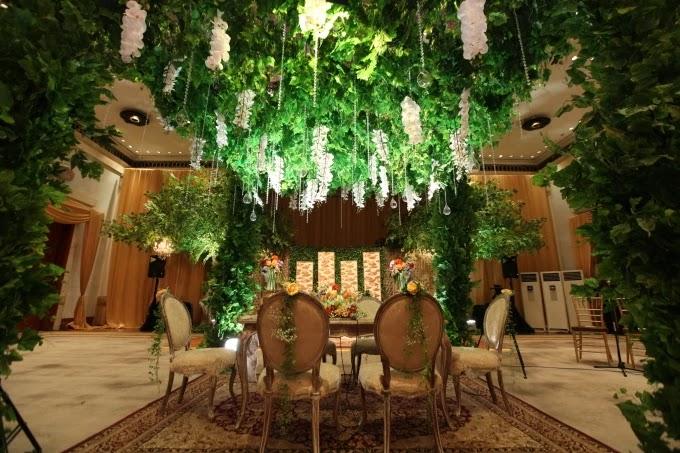 Menentukan Tema Pernikahan (bridestory.com)