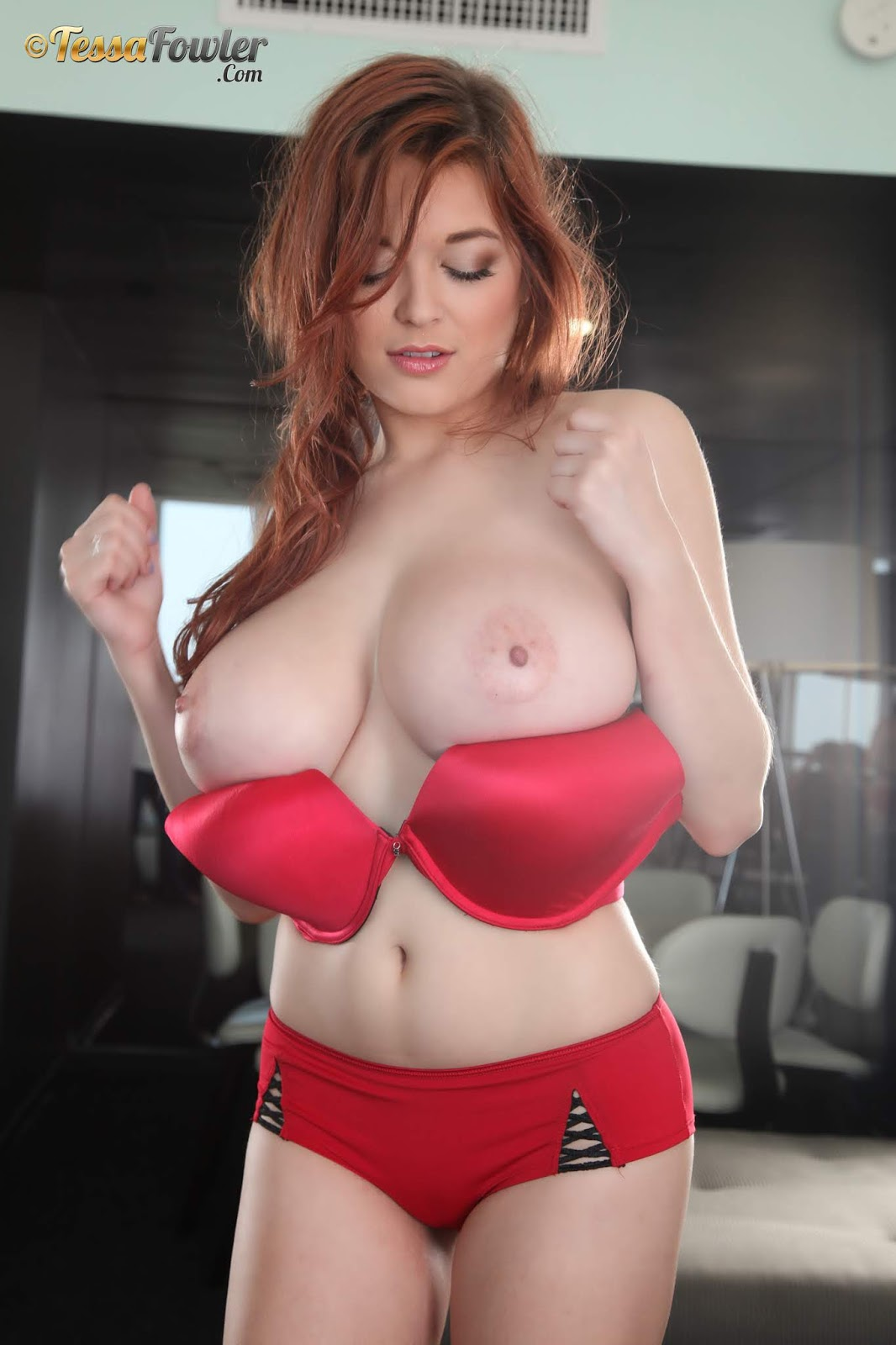 Gorgeous redhead titty cultures — img 14