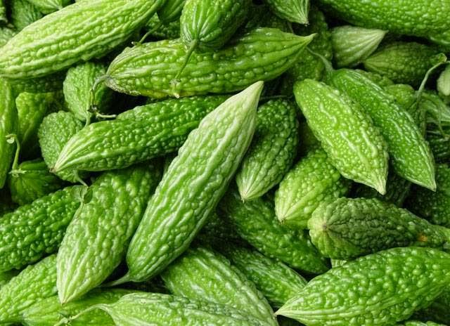 Pare atau paria merupakan salah satu jenis sayuran yang tidak mempunyai banyak penggemar Manfaat Pare untuk Kesehatan, Kecantikan, dan Diet