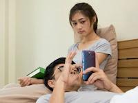 Pasangan Suami Istri Waspadalah, Media Sosial Bisa Menghancurkan Biduk Rumah Tanggamu Jika...