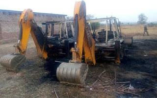 naxalites-set-fire-to-three-jcbs-and-a-tractor