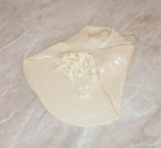 retete patiserie, retete preparare placinta de casa cu branza la tigaie, reteta,