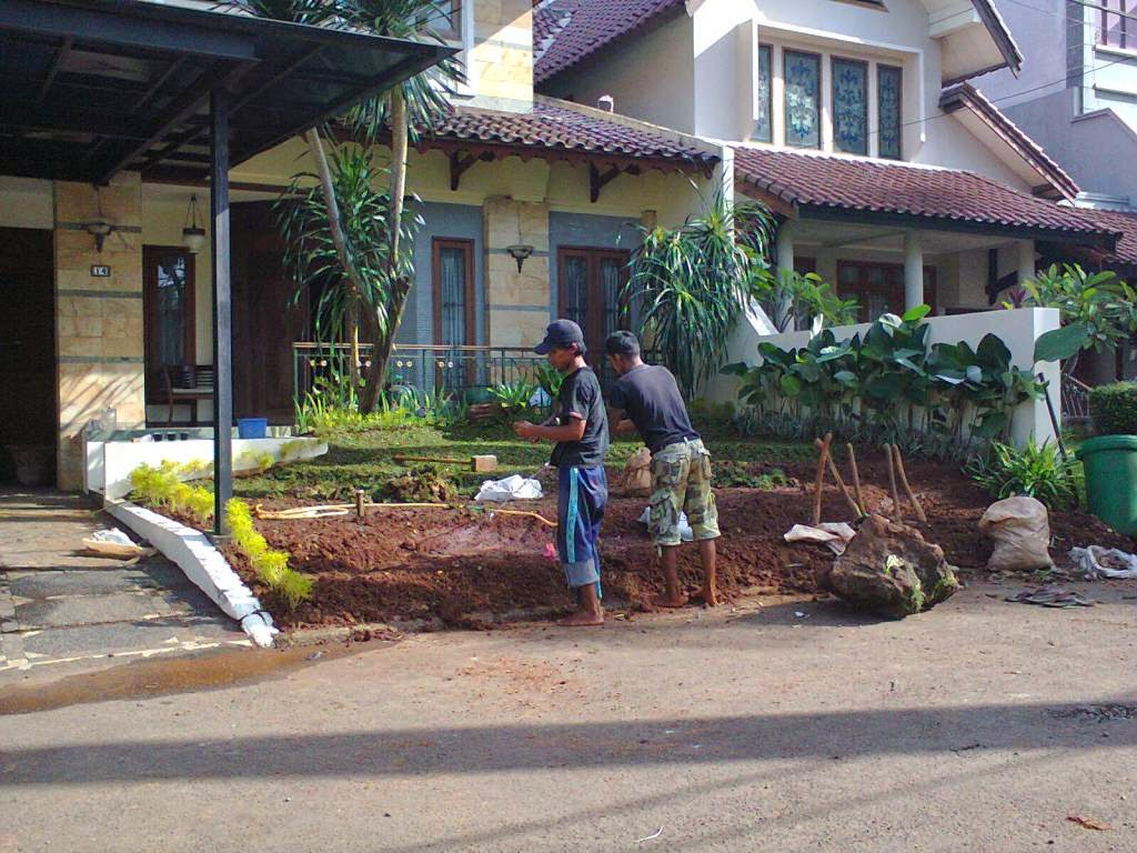 http://tukangtamankaryaalam.blogspot.com/2015/01/tukang-potong-rumput-jasa-tukang-potong.html