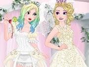 Disfruta de otro divertido juego de Frozen con Elsa Good vs Naughty Bride. Toda chica sueña con el día de la boda perfecta en un ambiente romántico y un vestido de novia blanco. La Princesa Elsa todavía no puede decidir cual es su estilo preferido para la boda. Hoy vamos a probar dos estilos totalmente diferentes para Elsa, una buena y una mala.
