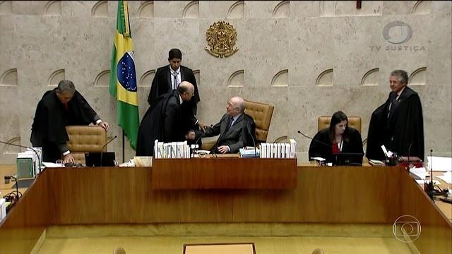 Criminalização da homofobia e influência de Carlos Bolsonaro são os destaques do dia na política