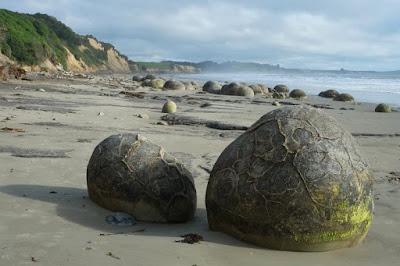 Las bolas de piedra Moeraki Boulders - Playa de Koekohe
