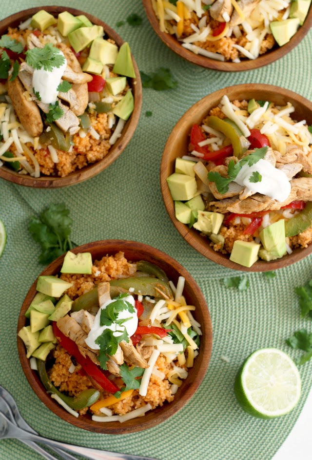 Chicken Fajita Couscous Bowls | thetwobiteclub.com | #ChoppedAtHome #contest #ad