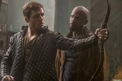 Robin Hood 2018 movie still Taron Egerton Jamie Foxx