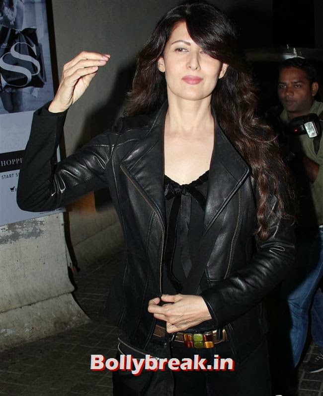 Sangeeta Bijlani, Salman Visits Being Human Store with his Girls - Daisy, Sana & Sangeeta