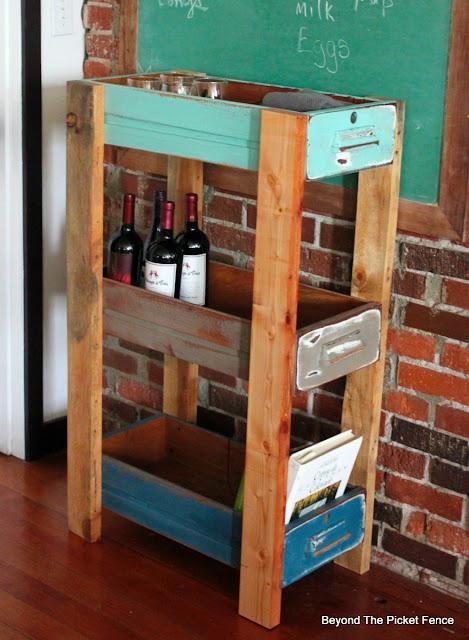 shelf, kitchen upcylced, pallets, http://goo.gl/MQJhPe