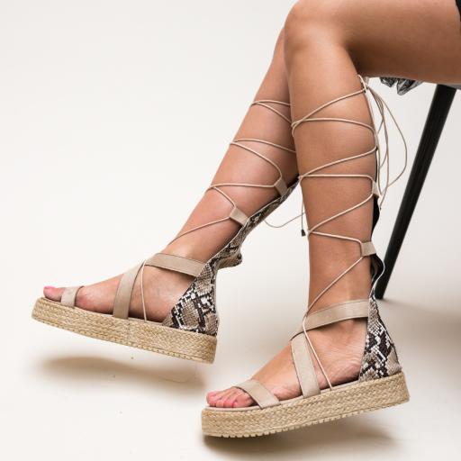 Sandale cu imprimeu de sarpe cu talpa groasa ce se leaga pe picior