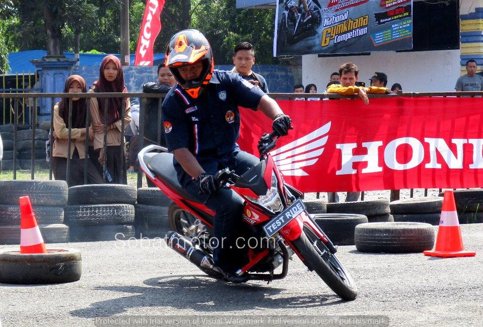 Begini nih meriahnya acara New Sonic 150R inFASTion 2016 dikota Medan . . plus foto galeri