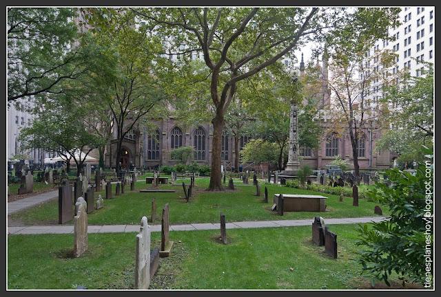 Cementerio y Trinity Church
