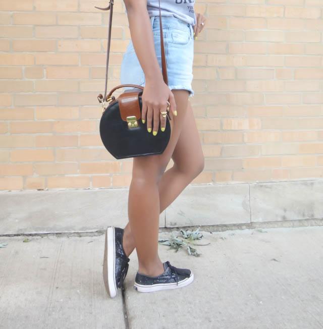denim-shorts-summer-vans-outfit-vintage