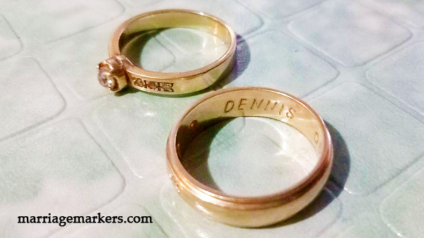 gold wedding rings in marriage