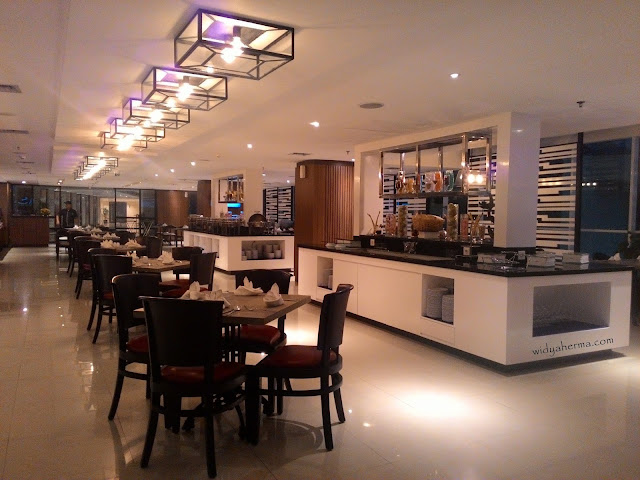 Suasana Interior Parc De Ville Restaurant