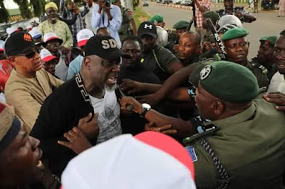 Saraki-led Protesters Clash With Police, Shots Fired (Photos)