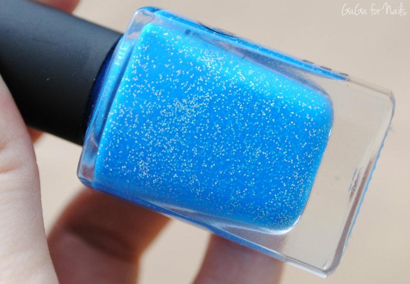 otherworldly holographic nail polish