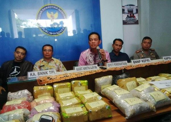 sindikat narkoba tanjung pinang 100 kilogram sabu sabu