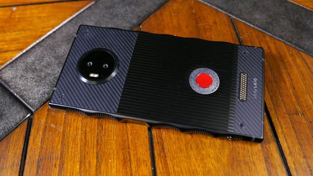 سعر و مواصفات RED Hydrogen One - بالصور مراجعة ريد هيدروجين وان