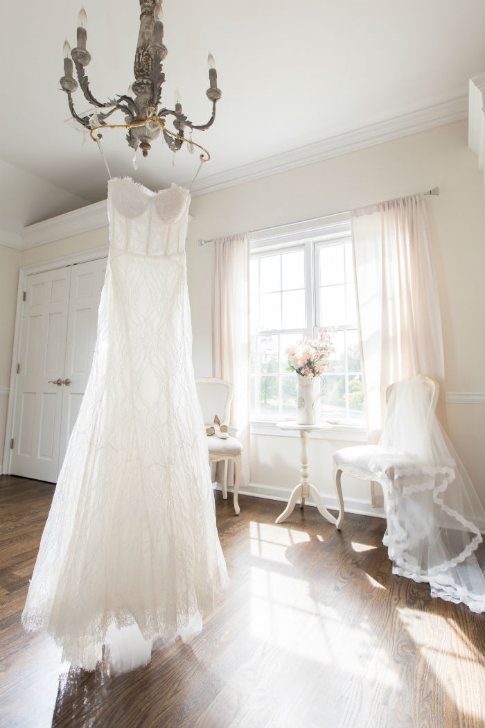 monique huilier wedding gown, all lace wedding gown, monique lhuilliar bride, joan pillow salon