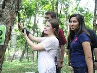Pengalaman Kerja Menyadap Pohon Karet Di Bulan Ramadan