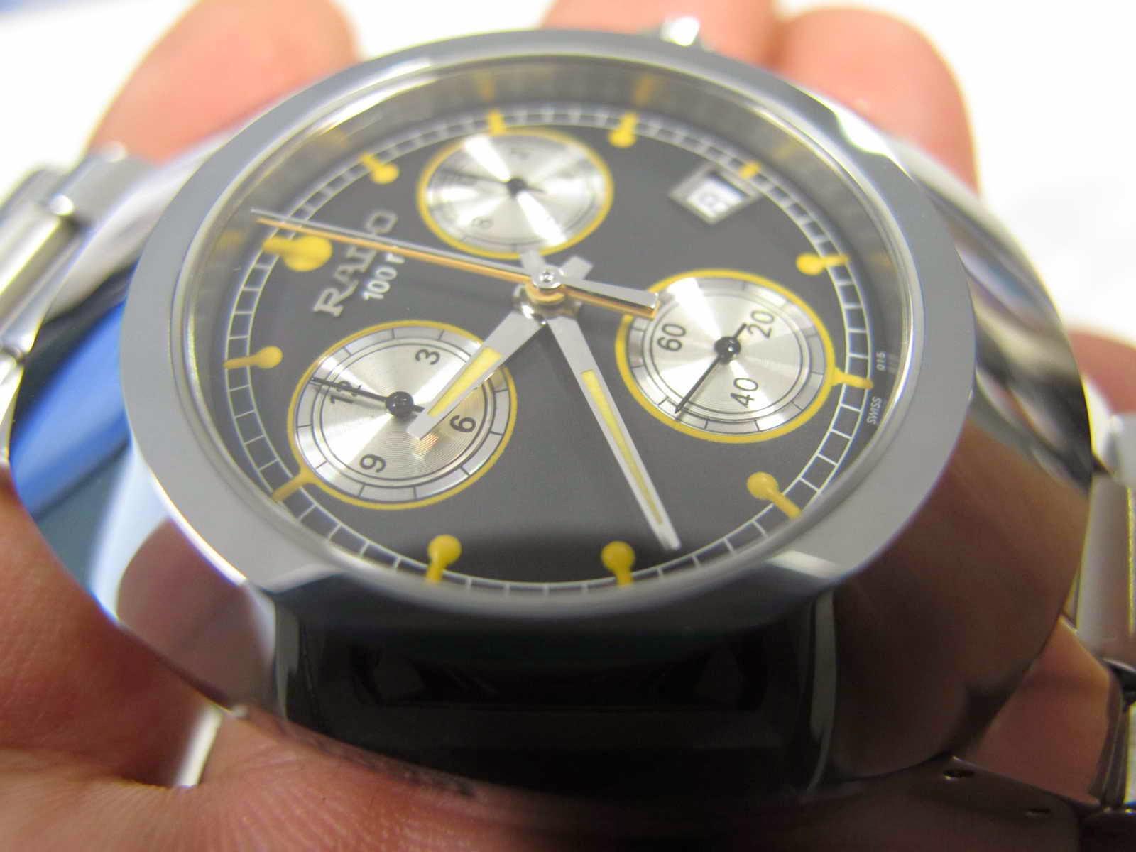 Bracelet panjang dan masih ada sisa link braceletnya Kondisi SUPERB Cocok untuk Anda yang sedang mencari jam tangan Chronograph Quartz Swiss made