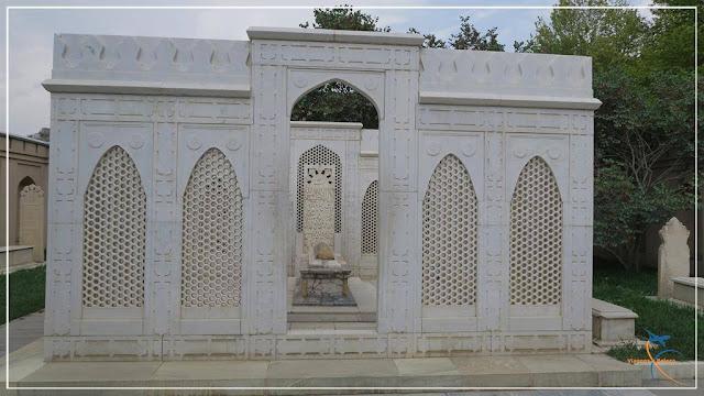 Túmulo de Babur, no Afeganistão