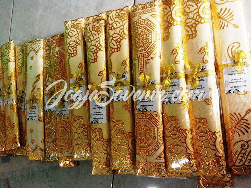 Jual Souvenir Taplak Meja Emas Perak