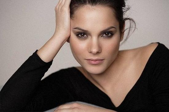 Fernanda Dorogi Nude Photos 34