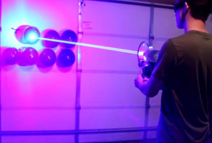 Fuzil a laser