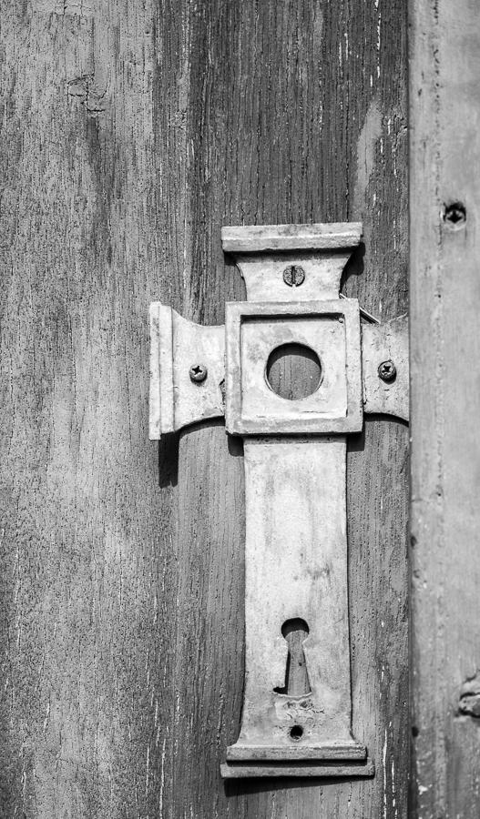 Blog + Fotografie by it's me! | fim.works | SchwarzWeissBlick No 20 | klassizistische Kirche von Schinkel | Türbeschlag