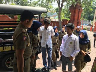 Satpol PP Kota Mojokerto Sita Jimat dan Sajam dari Belasan Pelajar