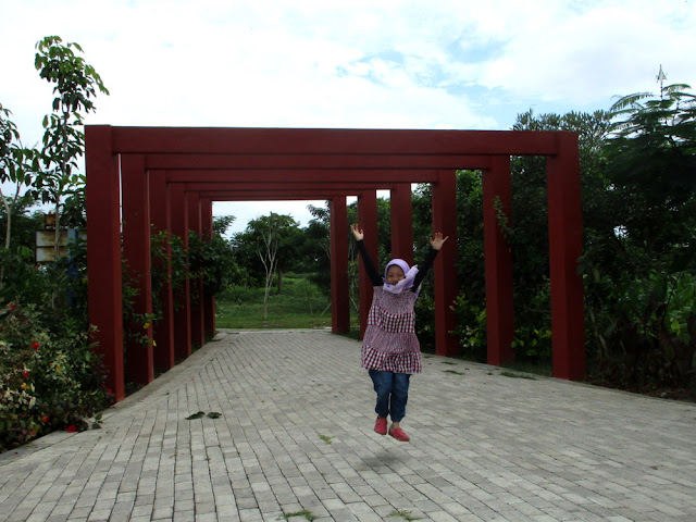 Mengenal Aneka Bunga di Taman Harmoni atau Hutan Bambu Surabaya