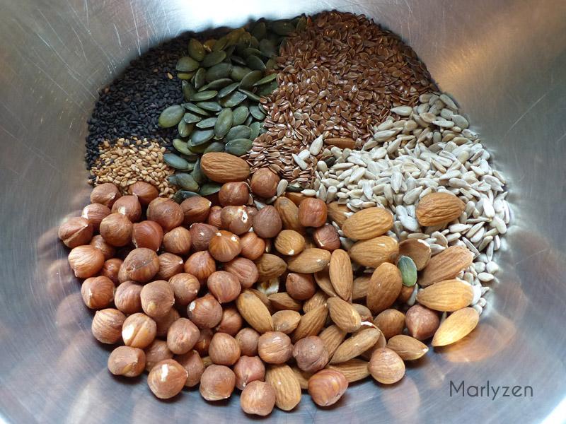 Pain aux graines et fruits à coque