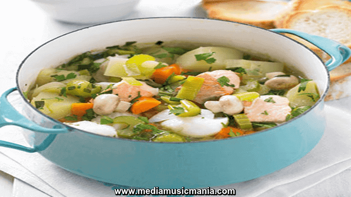 How to Make Fish and Potato Hotpot